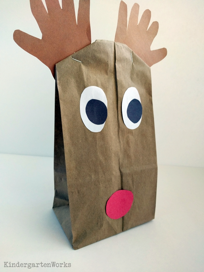 Easy Christmas Gift Wrap for Kindergarten - trace hands for antlers