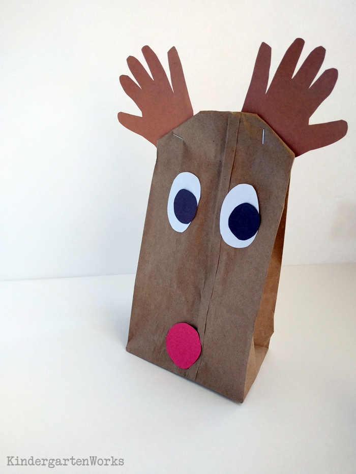 Easy Christmas Gift Wrap for Kindergartners | KindergartenWorks