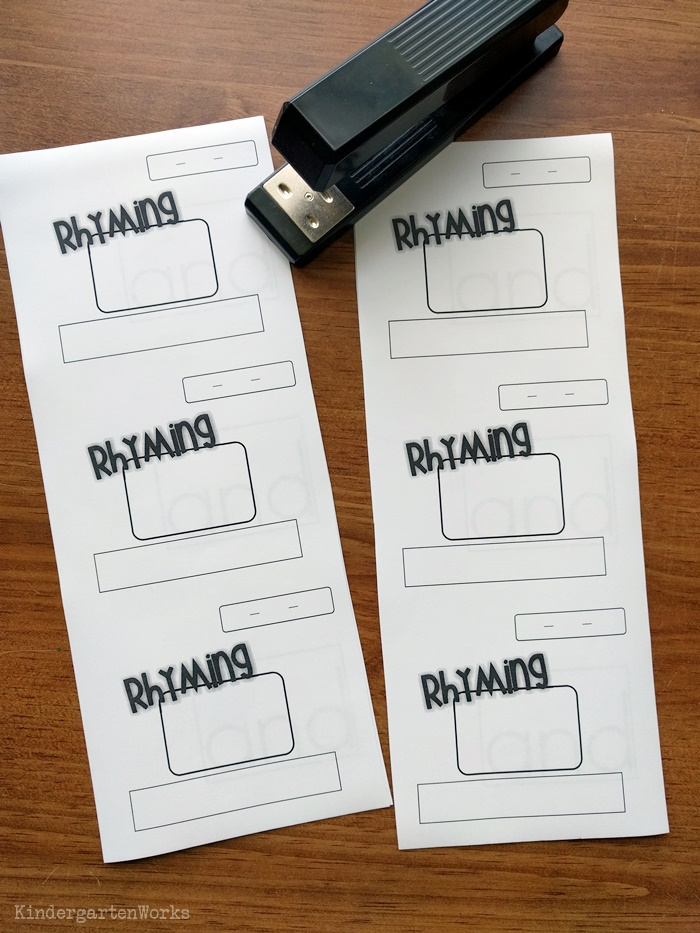 Mini booklets to teach word families and how to blend onset and rime for kindergarten - how to assemble