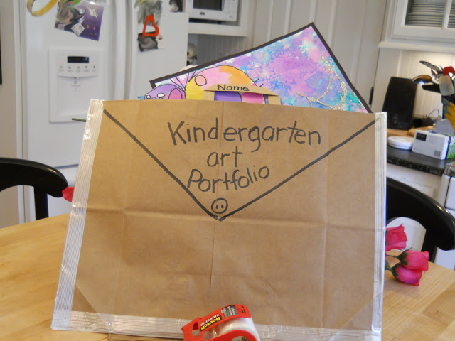 Make a Kindergarten art portfolio from a grocery shopping bag - Top 20 Kindergarten Teaching Ideas to Try Right Now