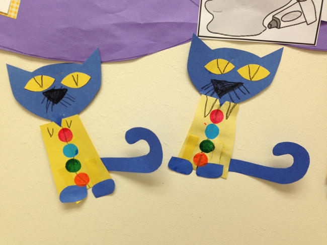 73 Cool Pete the Cat Freebies and Teaching Resources :: KindergartenWorks - Pete the Cat Pattern