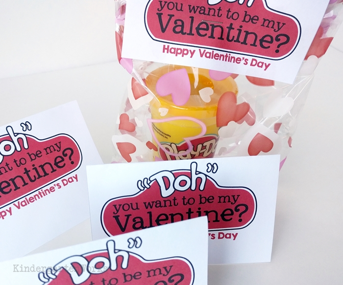 Valentine gift idea for teachers - Doh gift bag toppers for free