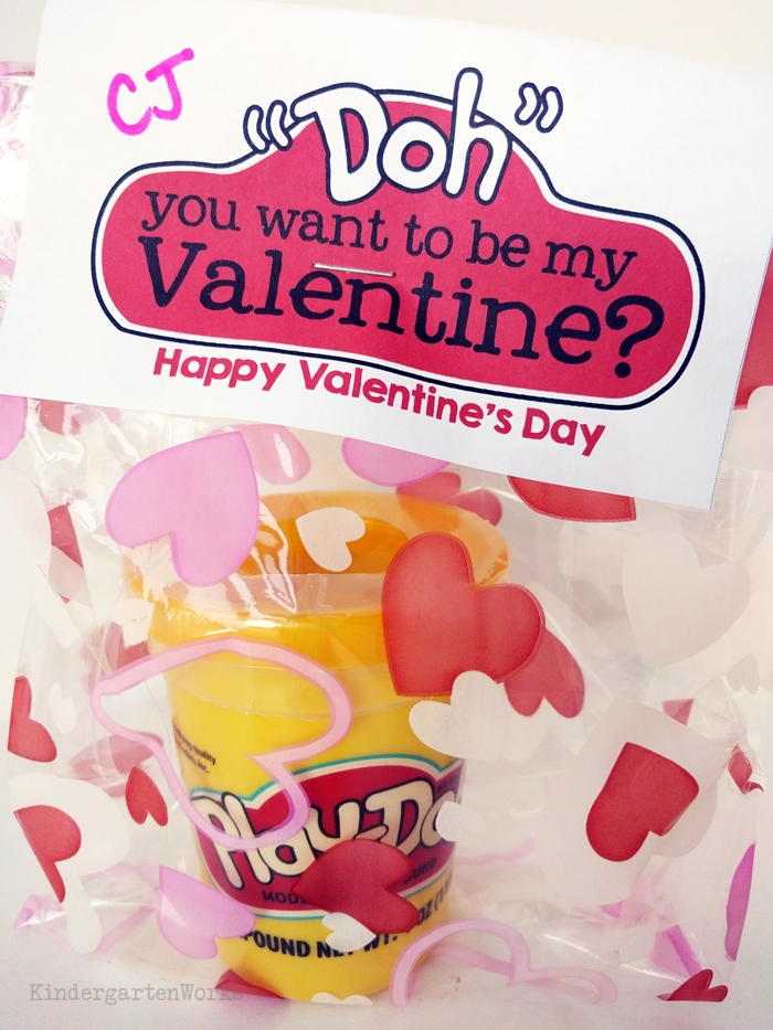 Valentine gift idea for teachers to give to students in kindergarten