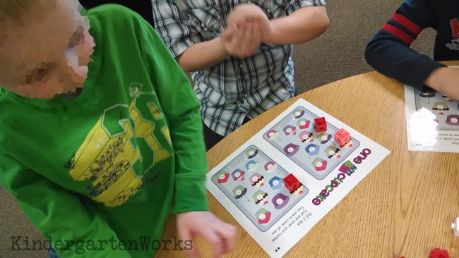 Keeping Math Games Zone Simple - Adding 1 Cupcake