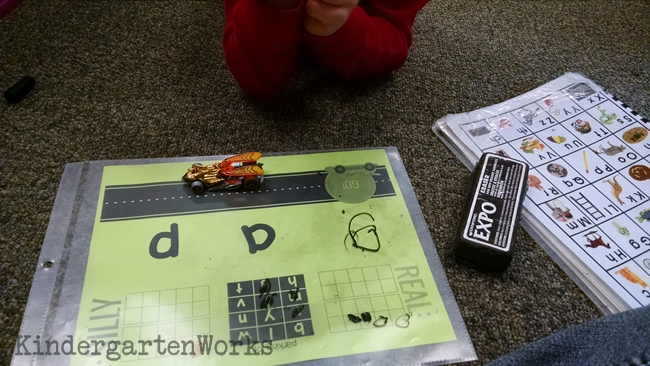 A Fun Way to Get Kinders Blending CVC Words - Scoring Real and Nonsense Words - KindergartenWorks