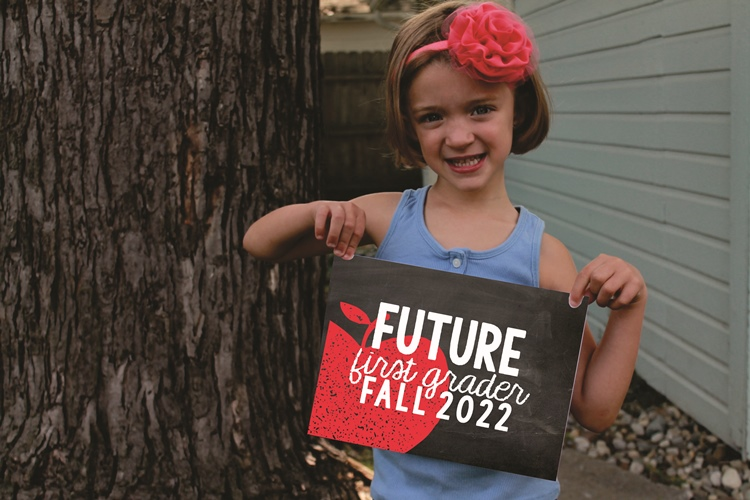 Future First Grader - cute end of the year pic to take with printable