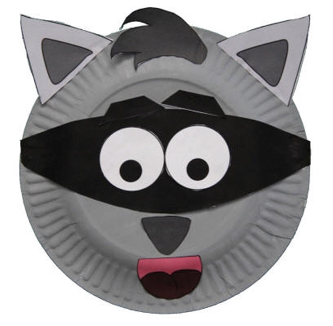 (27 Fresh Kissing Hand Freebies and Teaching Resources) Chester Raccoon Craft - KindergartenWorks.com