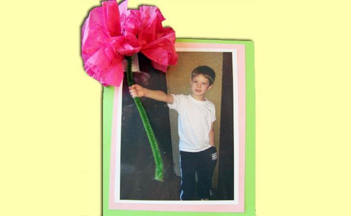 13 Creative and Sweet Kindergarten Mother's Day Crafts - 3D Flower Photo - KindergartenWorks: 3D Flower Photo