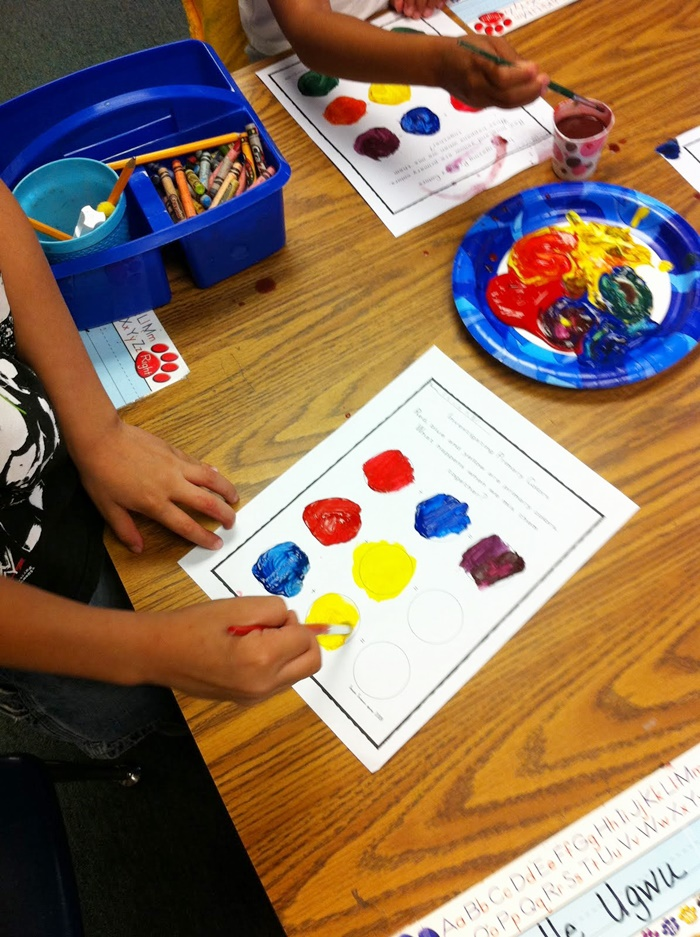 14 ABC Countdown Calendars - creating colors for C day - KindergartenWorks