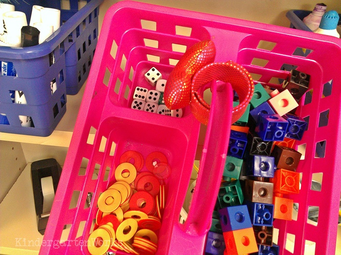 Guided Reading Tools to Make Reading Fun in Kindergarten - Linking cubes, dice and bingo chips - love it