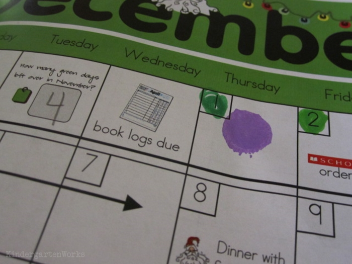 How to set up daily folders for kindergarten - track and reward behavior using color system