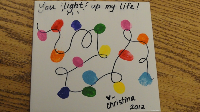 Kindergarten Christmas Gifts to Give to Parents - Fingerprint light string tile