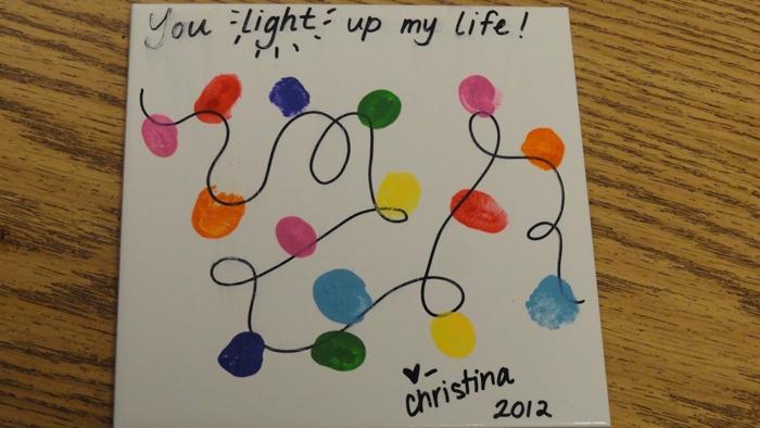 Kindergarten Christmas Gifts to Give to Parents - Fingerprint light string tile