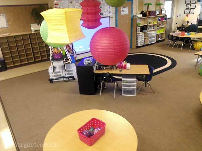 Hanging lanterns in the classroom - I could do this