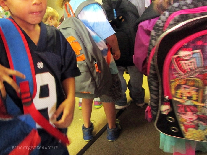 Teach how to go home in kindergarten - Lining up to go home