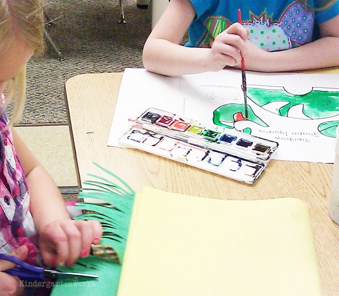 Free and Easy Zoo Animals Writing Project for Kindergarten - cut fringe at edge for 3D effect