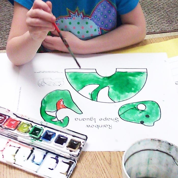 Free and Easy Zoo Animals Writing Project for Kindergarten - painting an iguana template