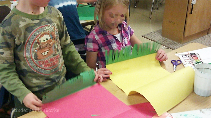 Free and Easy Zoo Animals Writing Project for Kindergarten - creating 3D grass