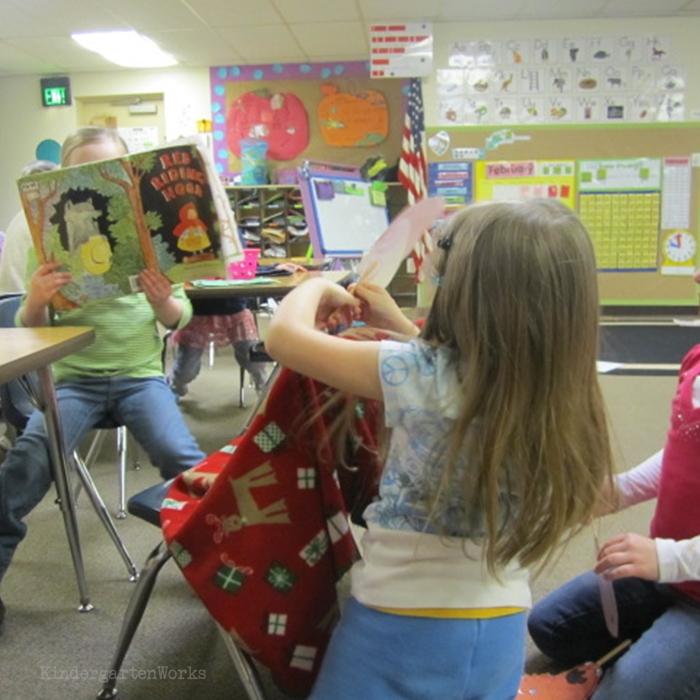 Literacy Centers Kindergarten - Retell Center