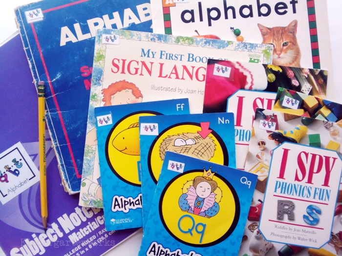 Non-Fiction Literacy Center for Kindergarten - Alphabet books