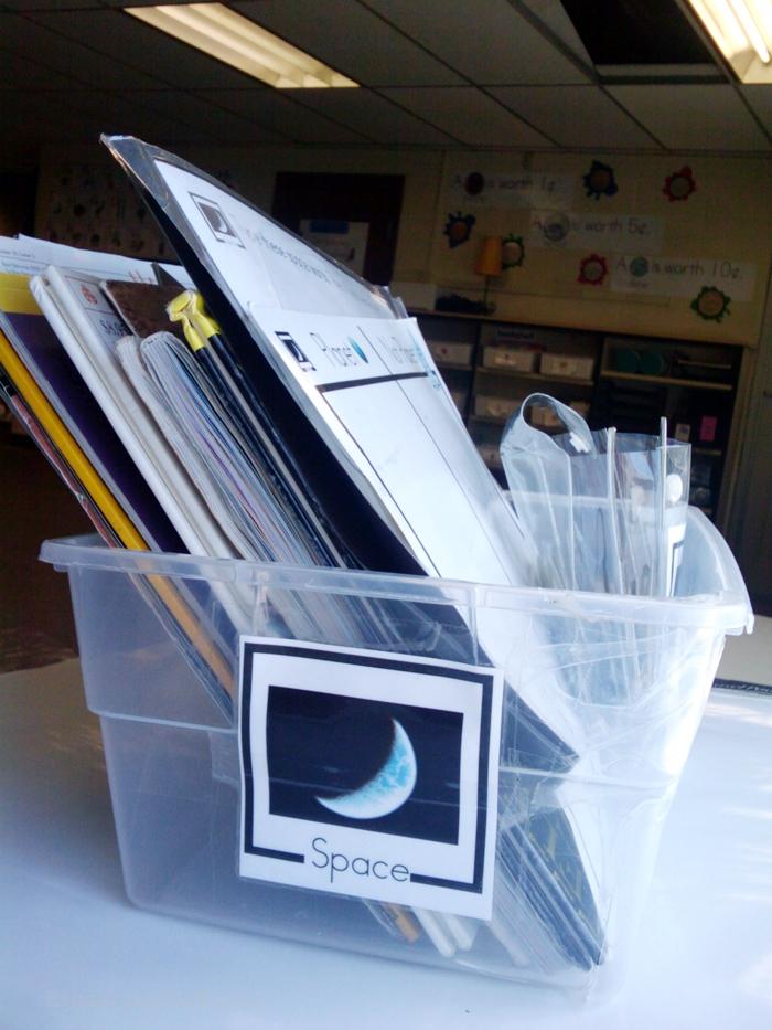 Non-Fiction Literacy Center for Kindergarten - space theme