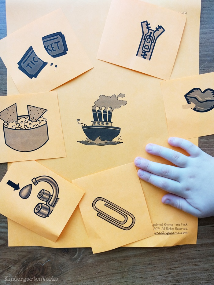 8 Free Rhyming Activities for Kindergarten - sorting word families mats